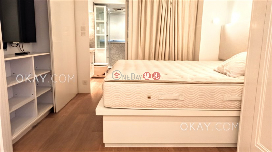 Elegant 2 bedroom in Sheung Wan | For Sale 61-63 Hollywood Road | Central District Hong Kong, Sales HK$ 22M