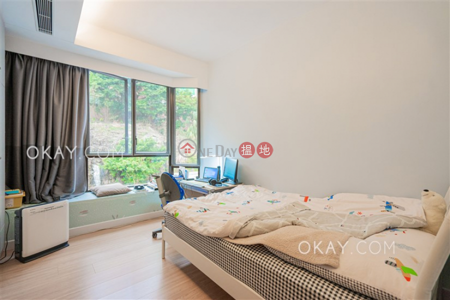 Lovely house with rooftop & parking | For Sale | Repulse Bay Heights 淺水灣花園 Sales Listings