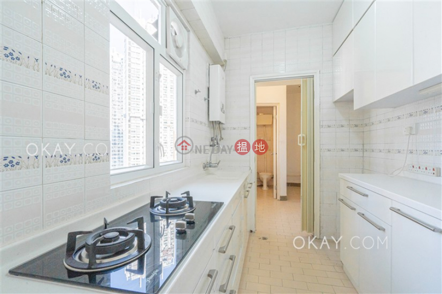 HK$ 39,000/ month, Sunrise Court Wan Chai District Nicely kept 3 bedroom with balcony   Rental
