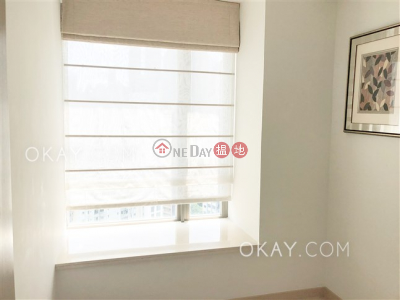 HK$ 50,000/ month, SOHO 189 | Western District, Tasteful 3 bedroom on high floor with balcony | Rental