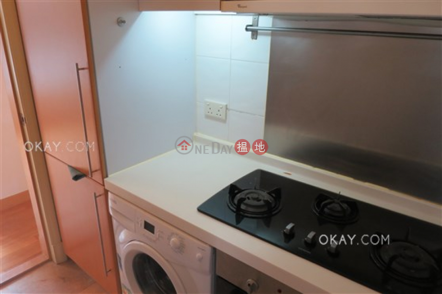 Unique 2 bedroom in Mid-levels West   Rental   Palatial Crest 輝煌豪園 Rental Listings