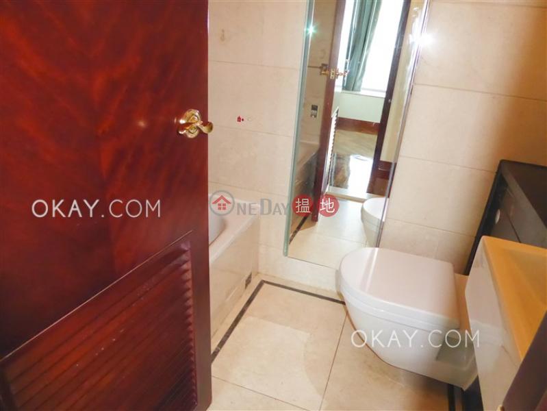 HK$ 35,000/ month Tower 3 One Silversea, Yau Tsim Mong, Luxurious 3 bedroom with sea views & balcony | Rental