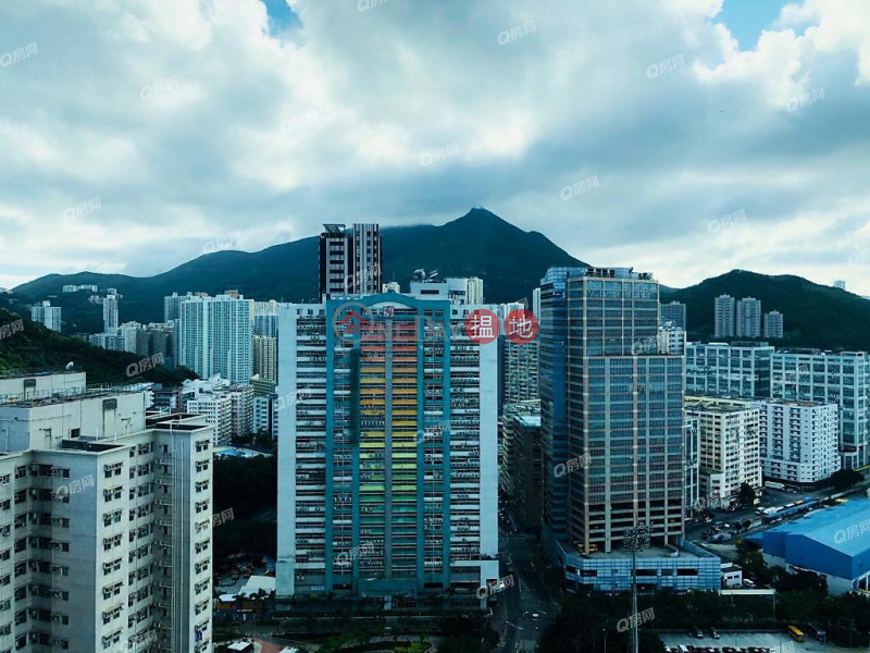 Tower 2 Island Resort | 3 bedroom Mid Floor Flat for Sale, 28 Siu Sai Wan Road | Chai Wan District | Hong Kong, Sales HK$ 11.88M