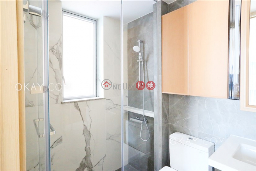 1房1廁,極高層,星級會所,露台《RESIGLOW薄扶林出租單位》-8興漢道 | 西區-香港-出租-HK$ 25,600/ 月