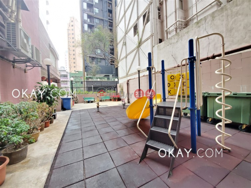 Elegant 2 bedroom in Mid-levels West   For Sale   Scenic Rise 御景臺 Sales Listings