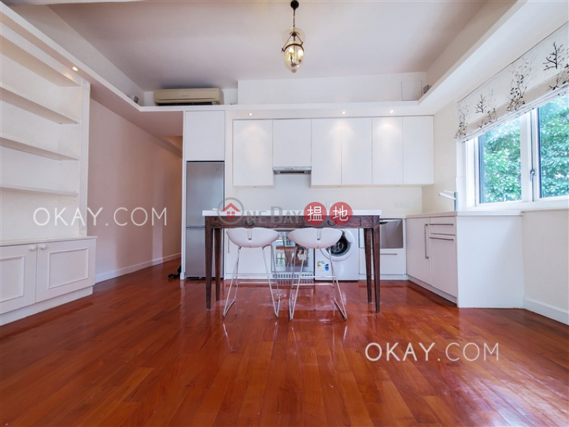 HK$ 35,000/ month | 15 Shelley Street Western District | Popular 1 bedroom with rooftop & balcony | Rental