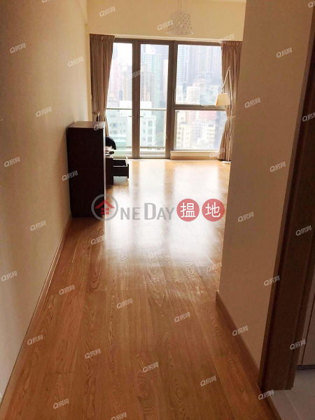 Property Search Hong Kong | OneDay | Residential | Rental Listings | SOHO 189 | 3 bedroom Mid Floor Flat for Rent