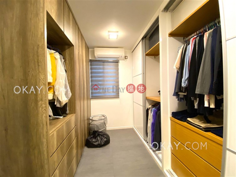 HK$ 26,000/ month   Mok Tse Che Village Sai Kung Charming house on high floor with rooftop & balcony   Rental