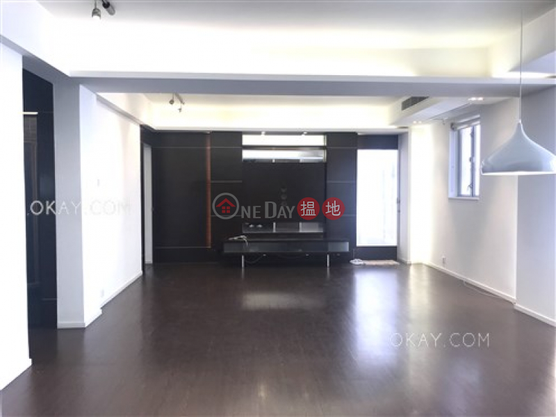 Beautiful 2 bed on high floor with balcony & parking | For Sale | Wah Sen Court 華星大廈 Sales Listings