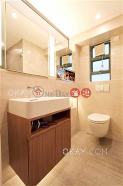Rare 2 bedroom in Mid-levels West | For Sale | Dragon Court 恆龍閣 Sales Listings