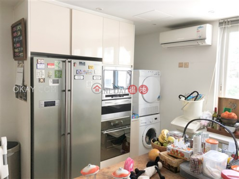 Efficient 3 bed on high floor with balcony & parking | For Sale | Robinson Garden Apartments 羅便臣花園大廈 Sales Listings