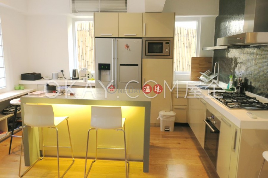 Gorgeous 2 bedroom with terrace   For Sale   Hanwin Mansion 慶雲大廈 Sales Listings
