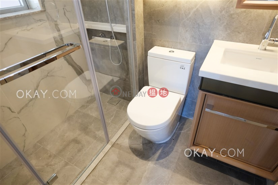 Resiglow Pokfulam | Middle Residential | Rental Listings | HK$ 28,100/ month