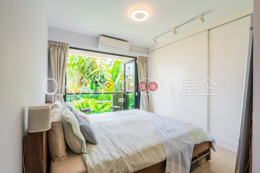 Rare house with terrace & balcony   For Sale   Wong Mo Ying Village House 黃毛應村屋 Sales Listings