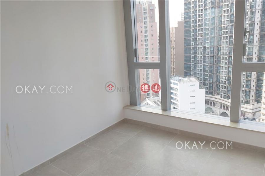 2房1廁,星級會所,露台RESIGLOW薄扶林出租單位 8興漢道   西區-香港出租 HK$ 37,000/ 月