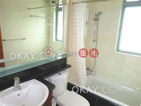 Rare 3 bedroom on high floor with balcony | For Sale|2 Park Road(2 Park Road)Sales Listings (OKAY-S1126)_0