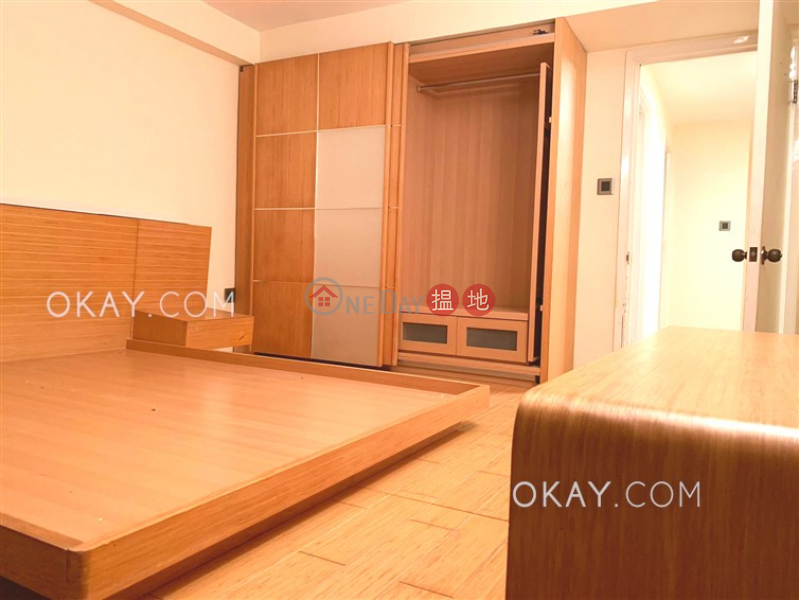 Cozy house with rooftop, balcony   For Sale   Nam Shan Village 南山村 Sales Listings