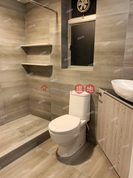 The Waterfront Phase 1 Tower 2 | 3 bedroom Mid Floor Flat for Sale 1 Austin Road West | Yau Tsim Mong, Hong Kong | Sales | HK$ 22M