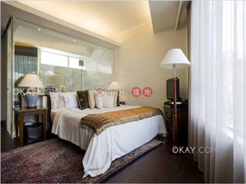 Stylish house with rooftop & parking | For Sale | Stanley Court 海灣園 Sales Listings