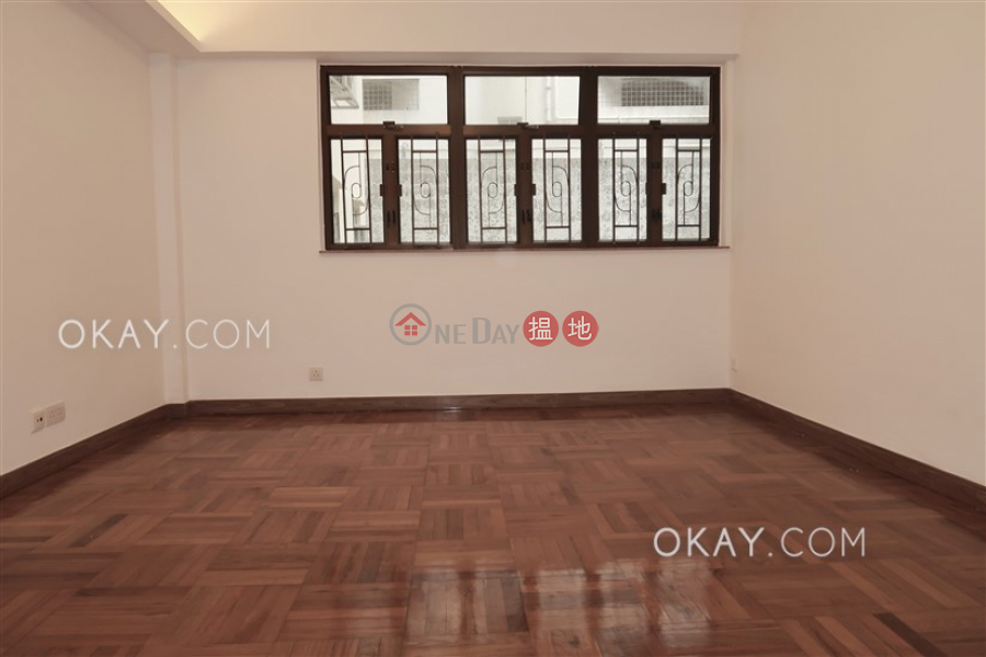 HK$ 32,000/ month, Greenland Gardens | Western District Lovely 3 bedroom with parking | Rental