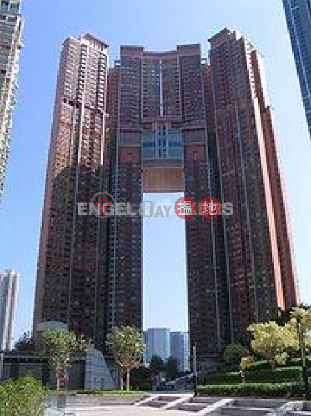 2 Bedroom Flat for Rent in West Kowloon, The Arch 凱旋門 Rental Listings | Yau Tsim Mong (EVHK85374)