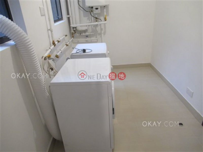 HK$ 118,000/ month, Magazine Gap Towers Central District | Rare 3 bedroom with balcony & parking | Rental