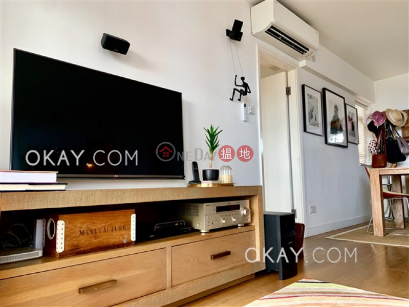 Efficient 3 bedroom with balcony | For Sale | Pokfulam Gardens Block 1 薄扶林花園 1座 Sales Listings