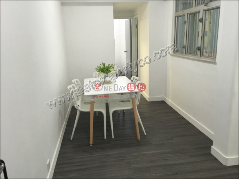 HK$ 25,000/ month, Wah Lee Building, Western District Spacious 2 bedrooms for Rent
