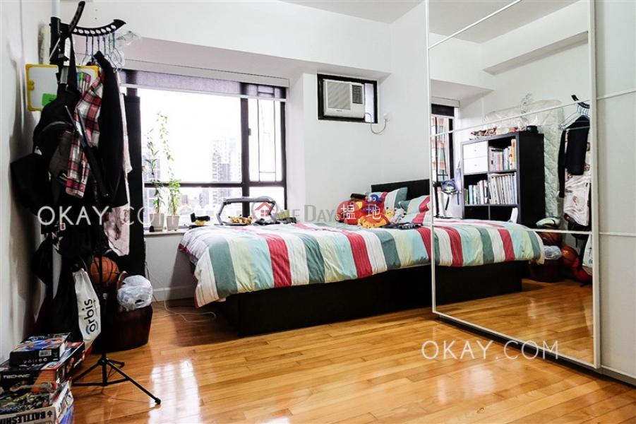 HK$ 53,000/ month, Skylight Tower | Western District | Nicely kept 3 bedroom in Mid-levels West | Rental