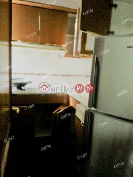 東港城實用二房.旺中帶靜《東港城 2座買賣盤》-8重華路 | 西貢-香港-出售-HK$ 750萬