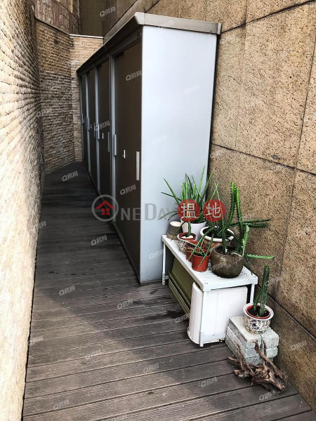 Property Search Hong Kong | OneDay | Residential Sales Listings MOUNT BEACON TOWER1-6 | 4 bedroom Low Floor Flat for Sale