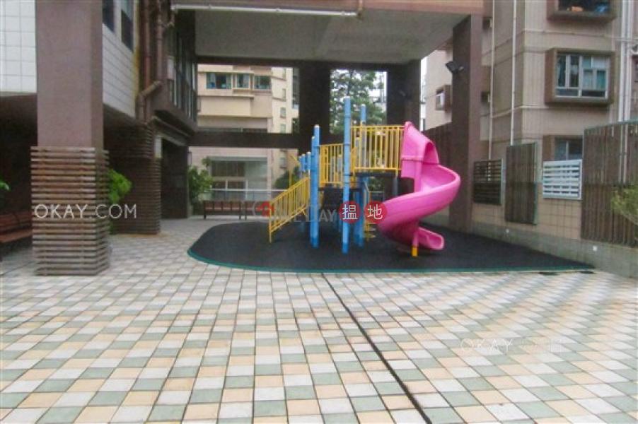 HK$ 50,000/ month | WELLGAN VILLA Kowloon City Nicely kept 3 bedroom with balcony & parking | Rental