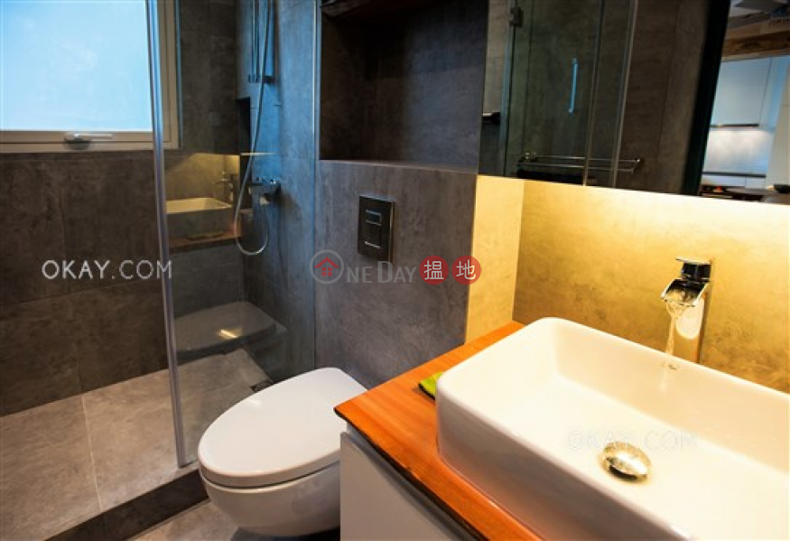 Nam Pak Hong Building, Middle Residential | Rental Listings, HK$ 28,000/ month