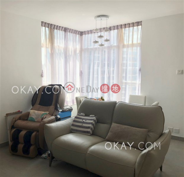 Tasteful 2 bedroom on high floor | For Sale | Island Place 港運城 Sales Listings
