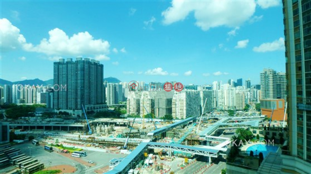 Property Search Hong Kong | OneDay | Residential | Sales Listings | Charming 3 bedroom in Kowloon Station | For Sale