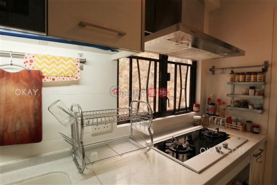 HK$ 20M, South Bay Garden Block C | Southern District, Charming 2 bedroom with balcony & parking | For Sale