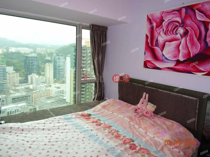 Property Search Hong Kong | OneDay | Residential | Rental Listings, Banyan Garden Tower 3 | 3 bedroom High Floor Flat for Rent