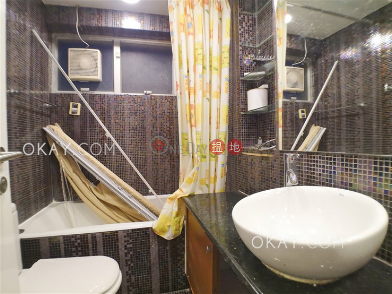 香港搵樓|租樓|二手盤|買樓| 搵地 | 住宅-出租樓盤3房2廁,實用率高,極高層,連車位《富麗園出租單位》