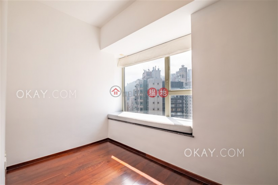 HK$ 56,000/ month Centrestage, Central District Lovely 3 bedroom on high floor with balcony & parking | Rental