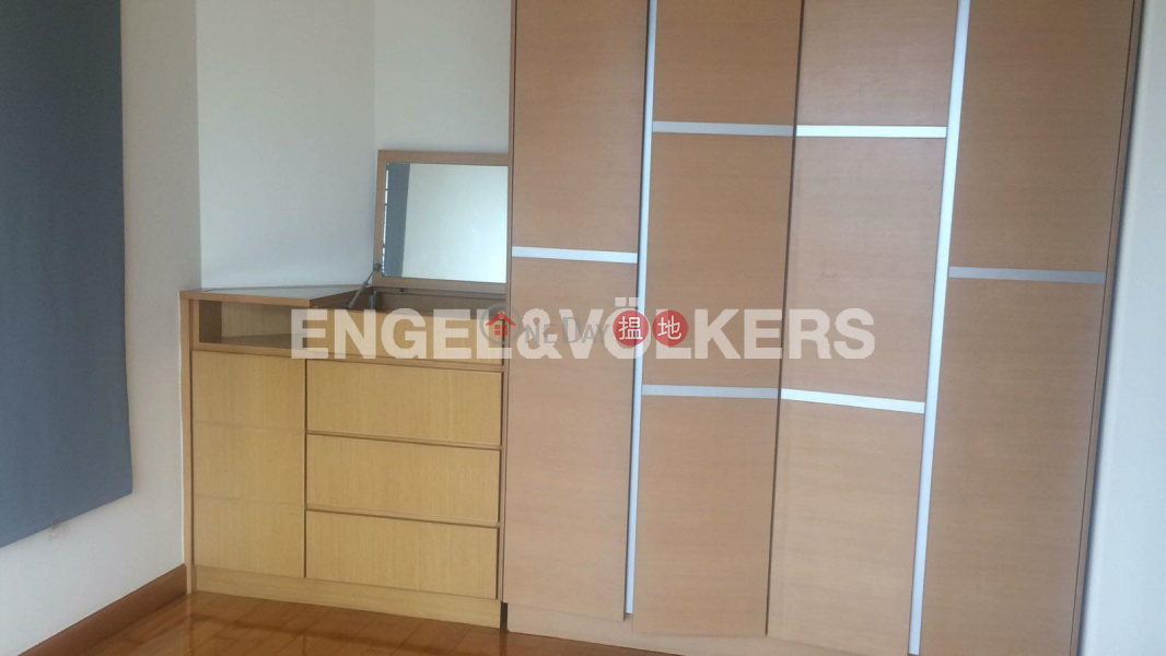 Property Search Hong Kong | OneDay | Residential | Rental Listings | 3 Bedroom Family Flat for Rent in Sai Ying Pun
