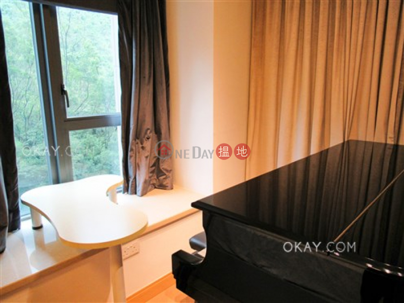 Lovely 2 bedroom with balcony | For Sale, Tower 5 Aria Kowloon Peak 峻弦 5座 Sales Listings | Wong Tai Sin District (OKAY-S375859)