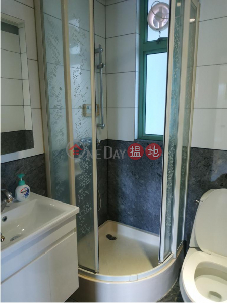 HK$ 33,000/ month, Royal Court, Wan Chai District, Flat for Rent in Royal Court, Wan Chai