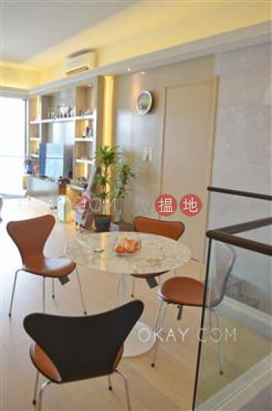 Beautiful 5 bedroom with balcony & parking | For Sale | Upton 維港峰 Sales Listings