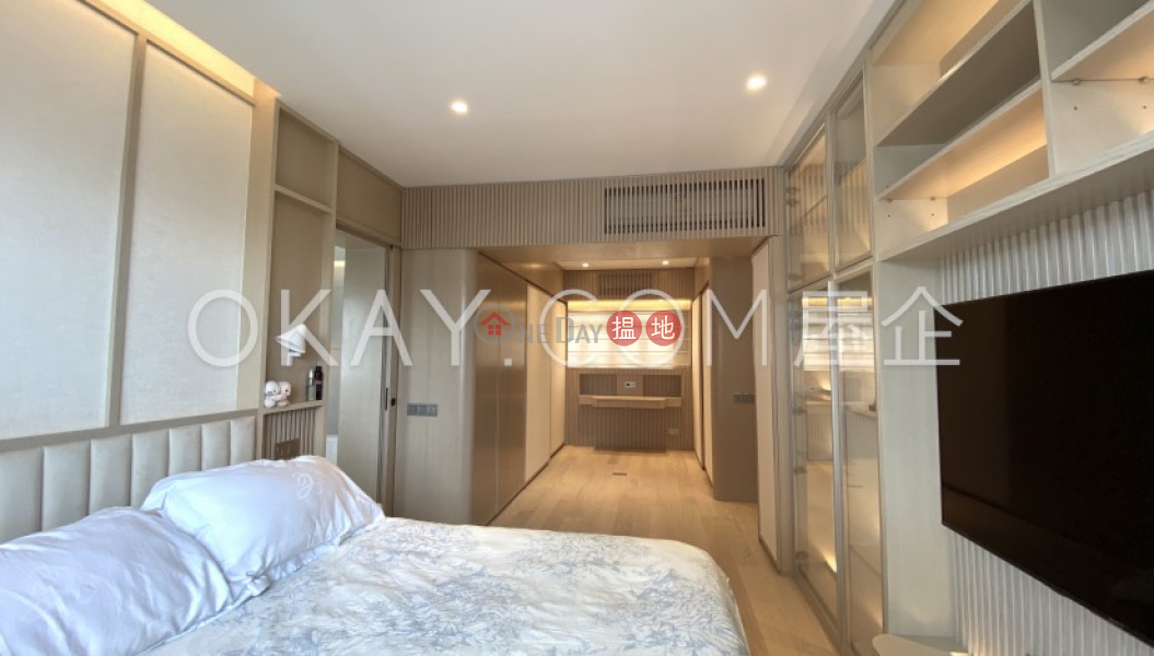 Rare 3 bedroom on high floor with sea views & balcony   For Sale   Camelot Height 金鑾閣 Sales Listings