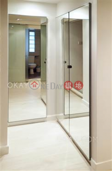 HK$ 8.5M, Tai Ping Mansion, Central District | Unique 2 bedroom in Sheung Wan | For Sale