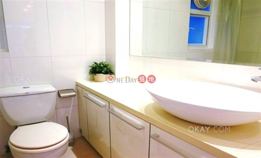 Unique penthouse with rooftop | For Sale, Manrich Court 萬豪閣 Sales Listings | Wan Chai District (OKAY-S63553)