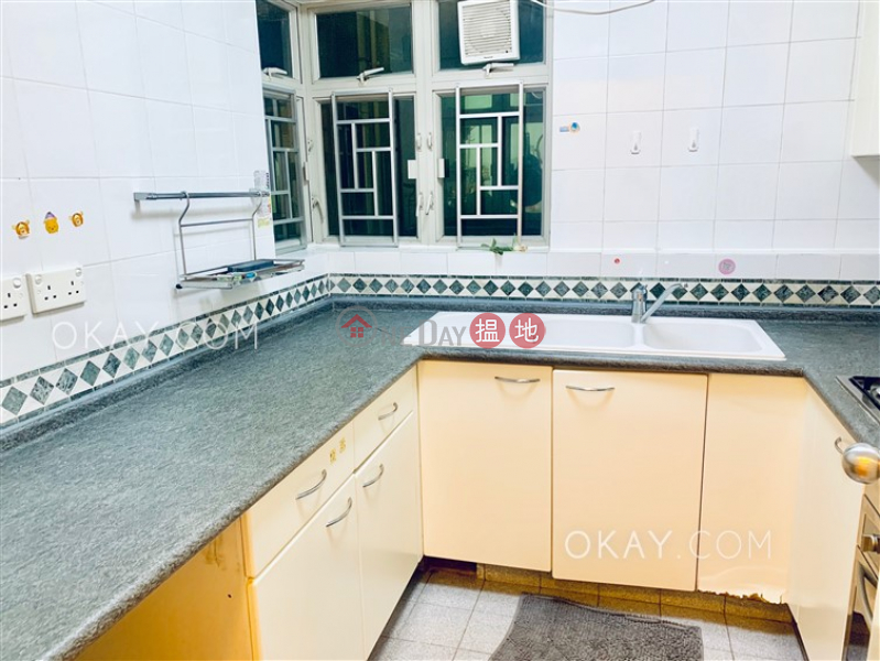 Tasteful 2 bedroom on high floor with sea views | Rental | Island Place 港運城 Rental Listings