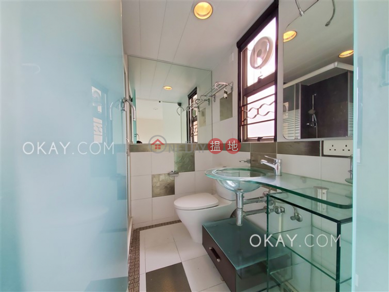Tasteful 3 bedroom on high floor with balcony & parking | Rental | MANSFIELD COURT 文蔚閣 Rental Listings