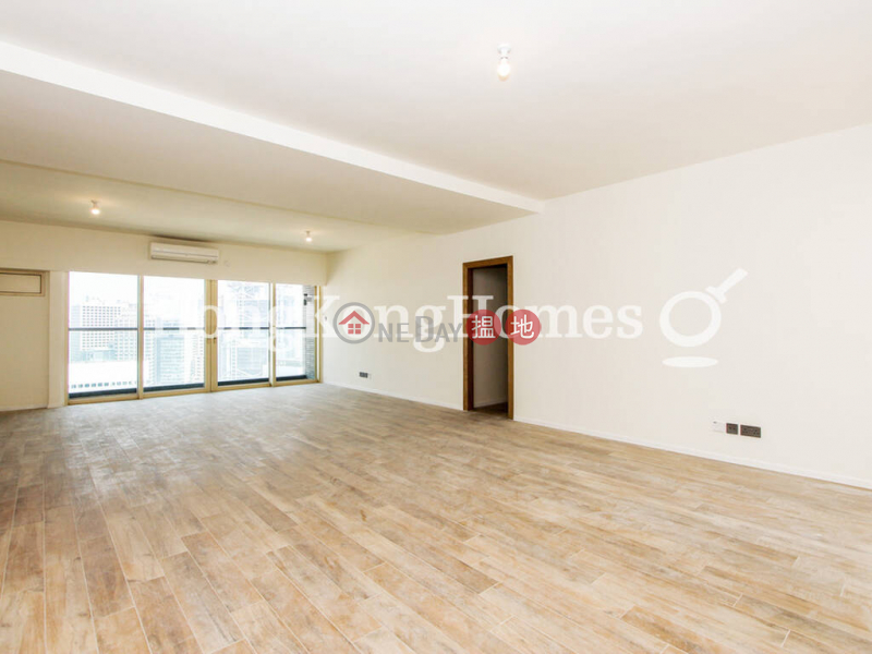 HK$ 92,000/ month   St. Joan Court, Central District   3 Bedroom Family Unit for Rent at St. Joan Court