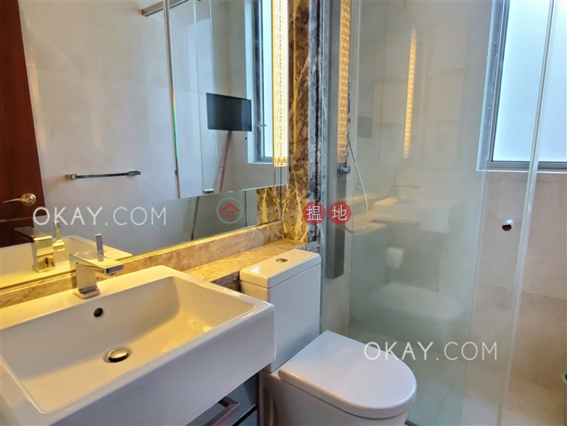 Nicely kept 2 bedroom with balcony | Rental | The Avenue Tower 2 囍匯 2座 Rental Listings